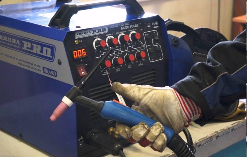 Сварочный аппарат для обработки стыков