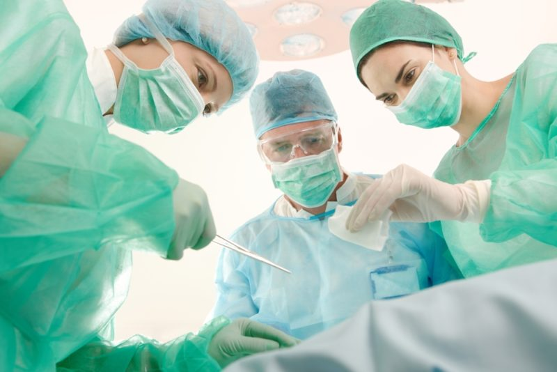 Не рекомендуется включать в рацион людей, недавно перенесших какое-либо хирургическое вмешательство
