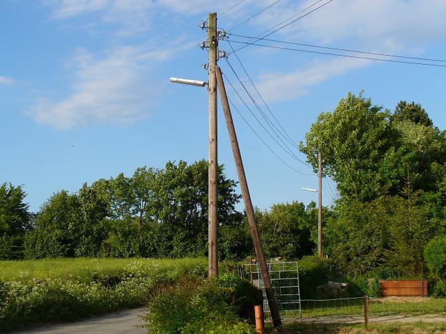 Опора осветительной сети – 1,5 метра