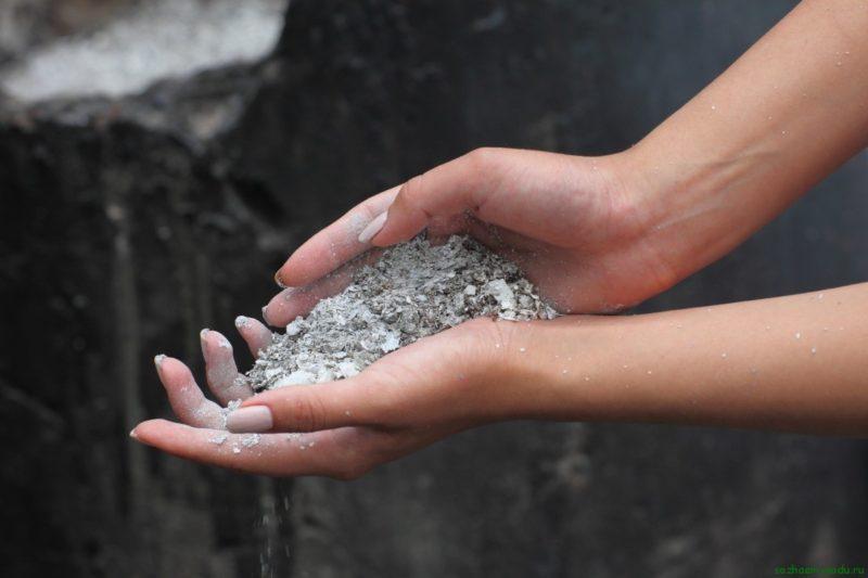 Материал с высоким процентным содержанием минеральных компонентов