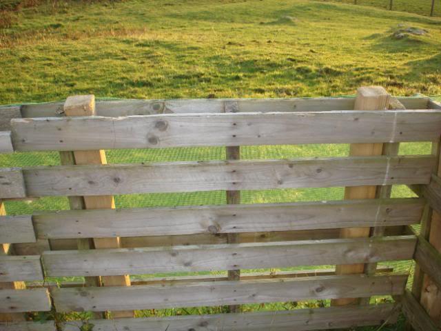Такой забор гарантированно прослужит максимально длительный период времени