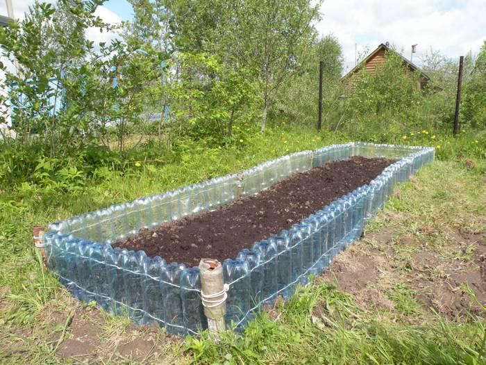 Ограждения уголка для овощей из пластика